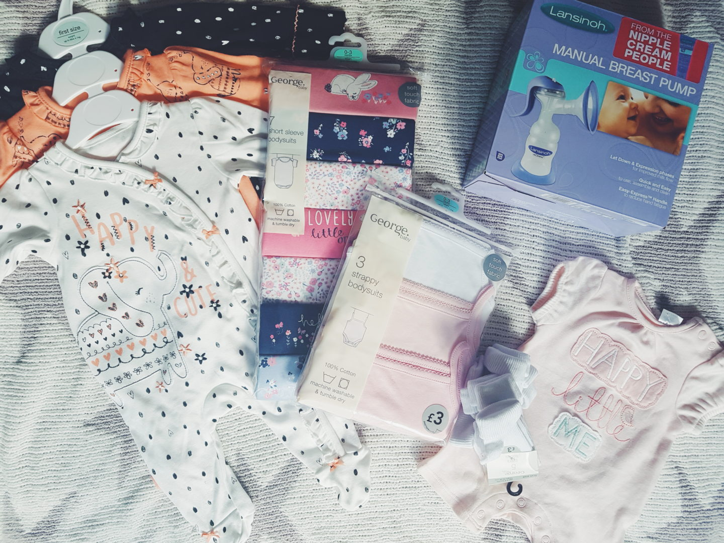 Shopping for Baby Essentials: Money Saving Tips